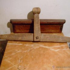 Antigüedades: ANTIGUA BALANZA DE MADERA.. Lote 43429117