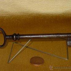 Antigüedades: LLAVE DE HIERRO FORJA. SIGLO XIX. 13,4 CM LARGO. FILIGRANA PUNTOS. Lote 43482011