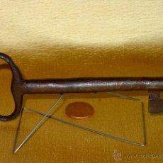 Antigüedades: LLAVE DE HIERRO FORJADO. SIGLO XVIII-XIX. 13,7 CM LARGO. TIJA LIGERAMENTE TRONCOCONICA. Lote 43482386