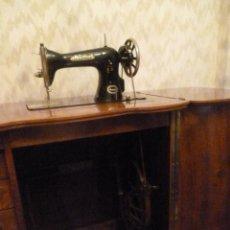 Antigüedades: MAQUINA DE COSER HEXAGON, DE SINGER. Lote 43658485