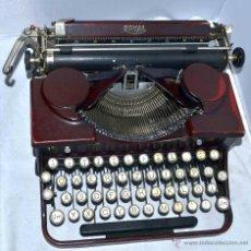 Antigüedades: RARA Y BELLA..ROYAL PORTABLE..MAQUINA DE ESCRIBIR PORTATIL GRANATE..USA 1928..GRAN ESTADO..FUNCIONA.. Lote 43810222
