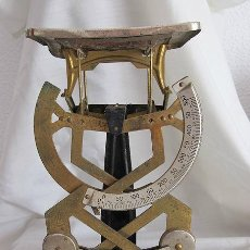 Antigüedades: ANTIGUA BALANZA PESACARTAS DE CORREOS MYC. Lote 43818461