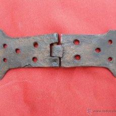 Antigüedades: ANTIGUA BISAGRA ANCHA B-60. Lote 43859702