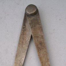 Antigüedades: MINI COMPAS DE ACERO PARA MEDIDAS EXTERIORES (10,5CM APROX). Lote 43906772
