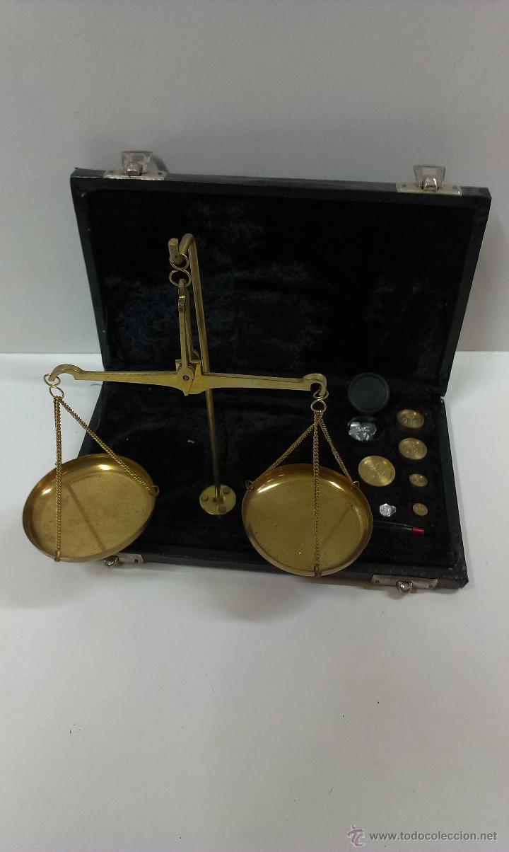 BONITA BASCULA DE PRECISION CON SU ESTUCHE (Antigüedades - Técnicas - Medidas de Peso - Básculas Antiguas)