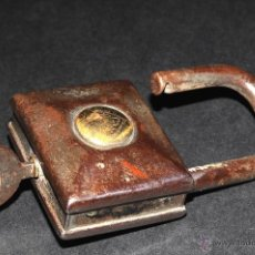 Antigüedades: ANTIGUO CANDADO CON SU LLAVE RGM 406 B, FUNCIONA. Lote 43989733