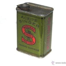 Antigüedades: LATA VACIA DE ACEITE PARA MAQUINAS DE COSER SINGER. Lote 43990162
