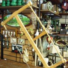 Antigüedades: SIERRA MANUAL ANTIGUA EN MADERA Y CUERDA. Lote 45252796