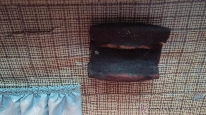 Antigüedades: Proyector de cine, muy antiguo, de origen checoslovaco, con maletín original, aceitera original,.... - Foto 18 - 44027361