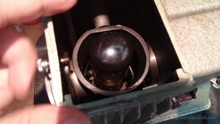 Antigüedades: Proyector de cine, muy antiguo, de origen checoslovaco, con maletín original, aceitera original,.... - Foto 54 - 44027361