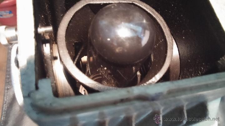 Antigüedades: Proyector de cine, muy antiguo, de origen checoslovaco, con maletín original, aceitera original,.... - Foto 56 - 44027361