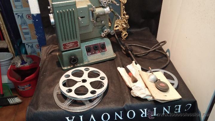Antigüedades: Proyector de cine, muy antiguo, de origen checoslovaco, con maletín original, aceitera original,.... - Foto 57 - 44027361