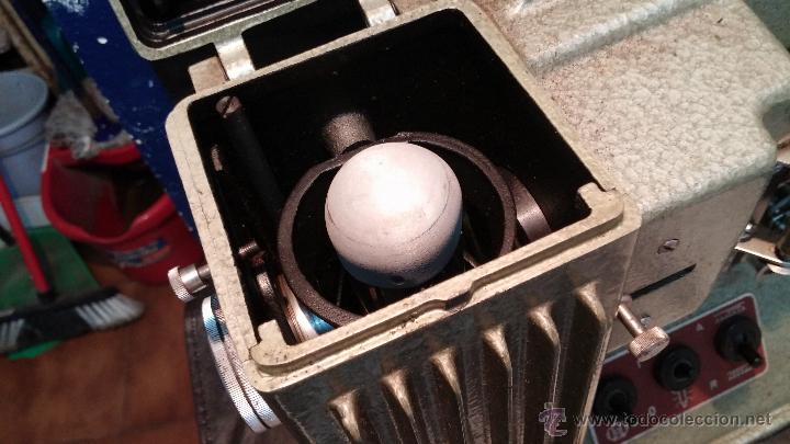Antigüedades: Proyector de cine, muy antiguo, de origen checoslovaco, con maletín original, aceitera original,.... - Foto 64 - 44027361
