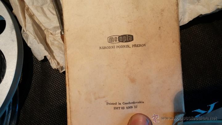 Antigüedades: Proyector de cine, muy antiguo, de origen checoslovaco, con maletín original, aceitera original,.... - Foto 69 - 44027361