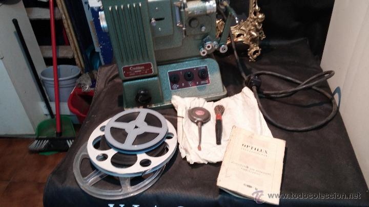 Antigüedades: Proyector de cine, muy antiguo, de origen checoslovaco, con maletín original, aceitera original,.... - Foto 78 - 44027361
