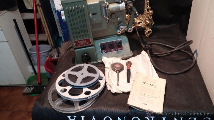 Antigüedades: Proyector de cine, muy antiguo, de origen checoslovaco, con maletín original, aceitera original,.... - Foto 79 - 44027361