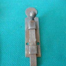 Antigüedades: CERROJO DE FORJA ANTIGUO. Lote 44030135