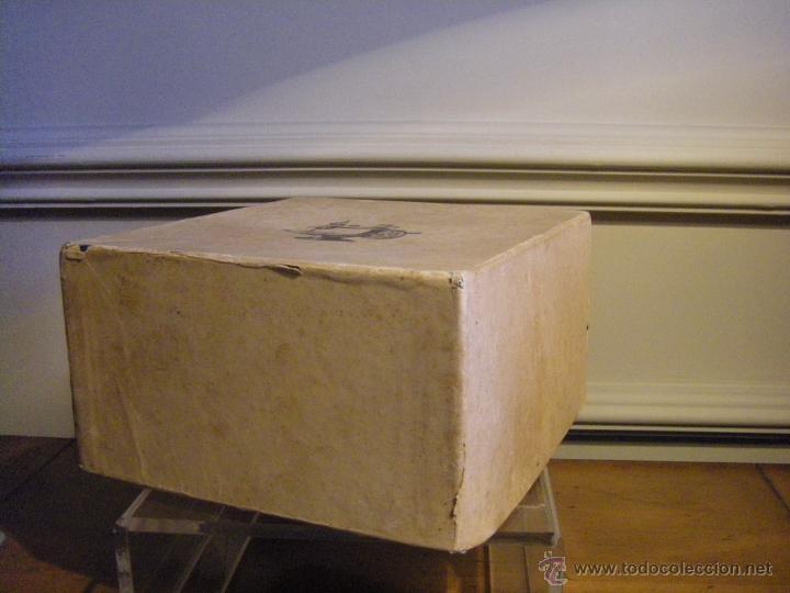 Antigüedades: Antigua máquina de coser Singer fabricada en USA conserva su caja original - Foto 12 - 44050431