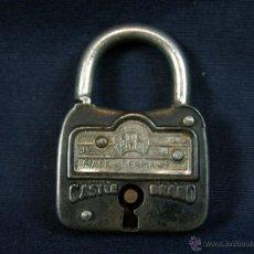 Antigüedades: CANDADO CASTLE BRAND MADE IN GERMANY 1 TOUR SIN LLAVE CERRADO 5X3,5 X1 CM. Lote 44057323