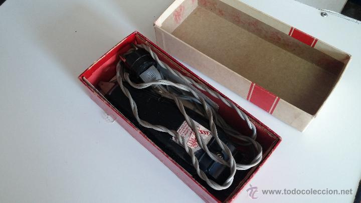 Antigüedades: Antigua maquina electrica para cortar el pelo, con factura, caja y manuales originales de 1965 - Foto 20 - 44245458