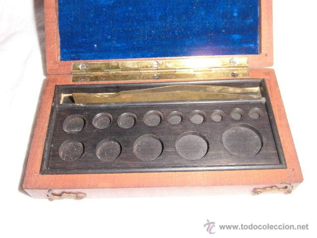 Antigüedades: ANTIGUA CAJA PARA PESAS LEER DESCRIPCION - Foto 4 - 44292086