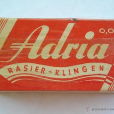 Antigüedades: **ANTIGUA CAJITA DE HOJAS DE AFEITAR,---ADRIA RAISER-KLINGEN---(10 HOJAS)**. Lote 44338350