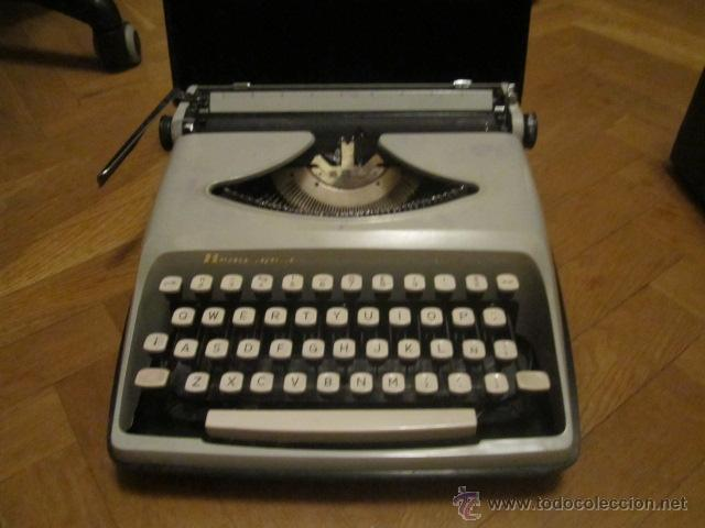 MAQUINA DE ESCRIBIR PORTATIL REMINGTON ENVOY OCHENTERA CON CAJA ORIGINAL - FUNCIONANDO (Antigüedades - Técnicas - Máquinas de Escribir Antiguas - Remington)
