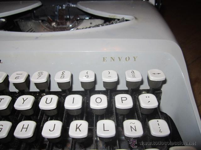 Antigüedades: Maquina de escribir portatil Remington Envoy ochentera con caja original - funcionando - Foto 2 - 44345996