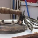 Antigüedades: PLANCHA ANTIGUA ELÉCTRICA. Lote 44364927