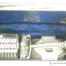 Antigüedades: MAQUINILLA DE AFEITAR WILKINSON SWORD 7 DIAS COMPLETA Y EN PERFECTO ESTADO. Lote 44380092