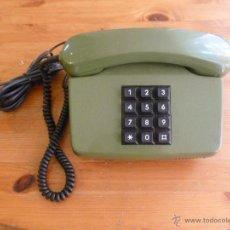 Teléfonos: TELEFONO ALEMAN VINTAGE COLOR VERDE , BUEN ESTADO. Lote 44390400