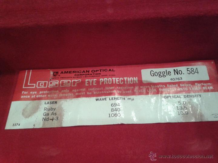 Antigüedades: CURIOSAS GAFAS CON CAJA PARA PROTECCION DE LOS OJOS RADIACION U.S.A. - Foto 3 - 44713048
