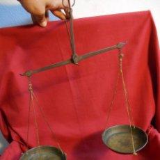 Antigüedades: ANTIGUA BALANZA DE HIERRO FORJADO Y BRONCE -SIGLO XIX-. Lote 44714690