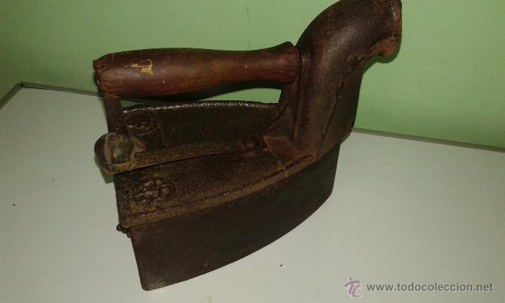 Antigüedades: ANTIGUA PLANCHA DE CARBON - Foto 2 - 44753176