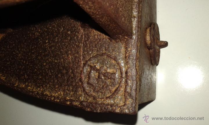 Antigüedades: ANTIGUA PLANCHA DE CARBON - Foto 4 - 44753176