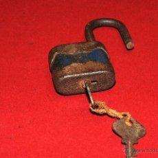 Antigüedades: ANTIGUO CANDADO RGM CON SU LLAVE. Lote 44821123