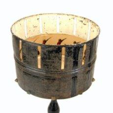 Antigüedades: ZOOTROPO / ZOETROPE EN METAL Y MADERA + 24 TIRAS DE PELÍCULA - CIRCA SIGLO XIX - EXCELENTE ESTADO. Lote 44973798