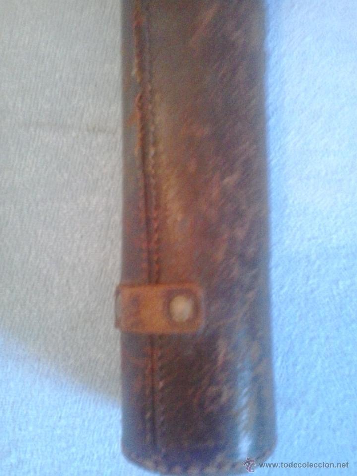 Antigüedades: ANTIGUA FUNDA DE PIEL DE CATALEJO, ANTEOJO, PRISMATICO, MIDE: 48 cms de largo y 5 cms de diametro. - Foto 4 - 44992989