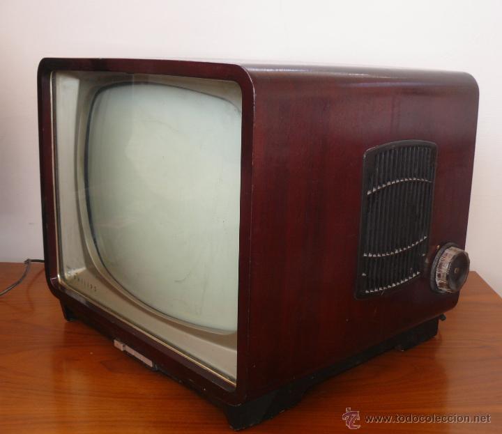 Fabulosa television philips tv antigua madera y comprar for Fotos de televisores