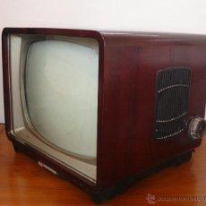 Antigüedades: FABULOSA TELEVISION PHILIPS TV ANTIGUA MADERA Y VALVULAS AÑOS 40 APROX TELEVISOR. Lote 45058627