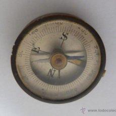 Antigüedades: ANTIGUA BRUJULA DE EMPOTRAR. Lote 45179692