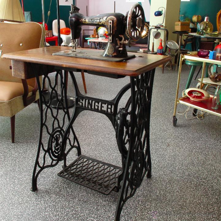 Mesa maquina de coser de hierro fundido singer - Vendido