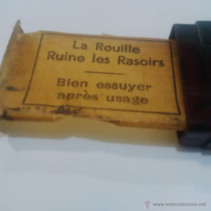 Antigüedades: ANTIGUA CAJITA DE BAQUELITA RECAMBIO PARA MAQUINA DE AFEITAR-ROLLS RAZOR IMPERIAL BLADE - Foto 3 - 45249301