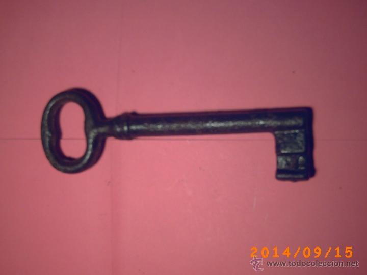 ANTIGUA LLAVE HEMBRA DE 14 CM (Antigüedades - Técnicas - Cerrajería y Forja - Llaves Antiguas)