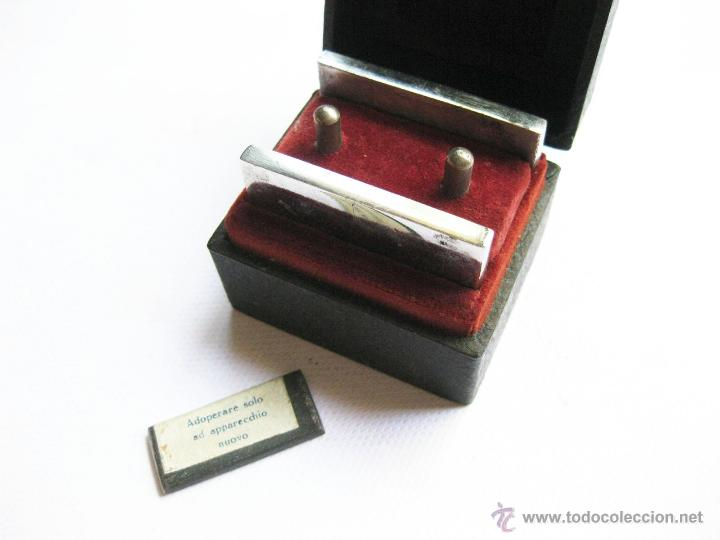 Antigüedades: Máquina para magnetizar cuchillas de afeitar. Bama. Welt Patent. BR. IT. 258155. - Foto 2 - 45285089