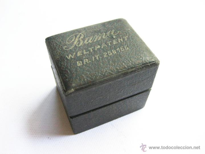 Antigüedades: Máquina para magnetizar cuchillas de afeitar. Bama. Welt Patent. BR. IT. 258155. - Foto 3 - 45285089