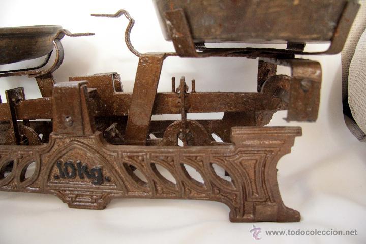 Antigüedades: ANTIGUA BALANZA DE 10KG, CON PLATOS. FUNCIONANDO. - Foto 2 - 45299518