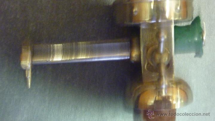 Antigüedades: Antiguo dosificador dispensador de líquidos. perfumeria marca NIPU . probeta graduada - Foto 3 - 45359418