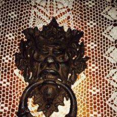 Antigüedades: LLAMADOR DE PUERTA ( IMAGEN DEL DABLO ) ( GARGOLA ). Lote 152072373