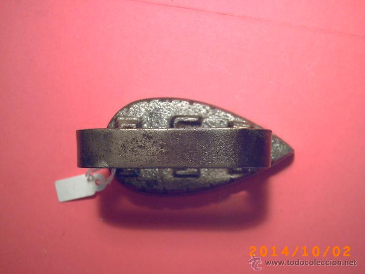 Antigüedades: ANTIGUA Y PEQUEÑA PLANCHA DE HIERRO PARA PUNTILLAS Y BORDADOS - MARCAS U M - VER FOTOS - Foto 6 - 45518333